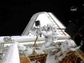 Астронавты NASA в течение 8 часов ремонтировали орбитальный телескоп
