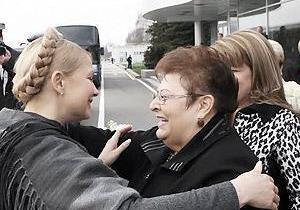 У Тимошенко обострилась старая травма позвоночника, полученная в ДТП - тетя