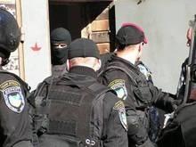 СМИ: Налоговая захватила офис столичного банка