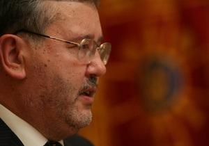 Гриценко: Закон Януковича позволил гаишникам останавливать всех подряд