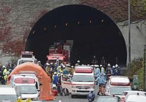 В результате обрушения тоннеля в Японии погибли не менее трех человек