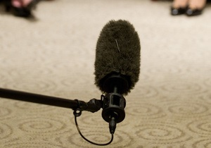 Новости Ивано-Франковска - Новый канал - нападение на журналистов - В Ивано-Франковске работники ресторана напали на журналистов во время съемки передачи