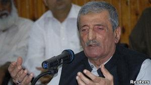 Премьер Пакистана против награды за голову автора фильма