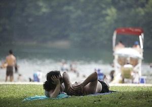 В Нью-Йорке установилась сильнейшая жара. Власти организовывают охлаждаемые убежища