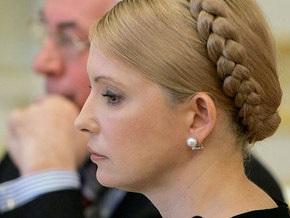 Азаров предлагает Тимошенко завтра уйти в отставку