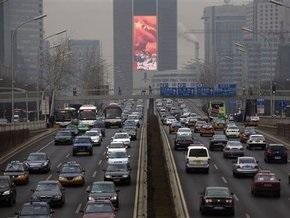 В Китае автобус столкнулся с легковым автомобилем: девять человек погибли