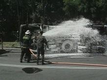 В Ровно перевернулся бензовоз, улицы залило бензином