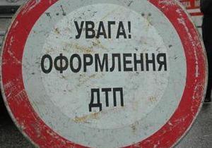 В Киеве водитель джипа сбил пешехода на зебре
