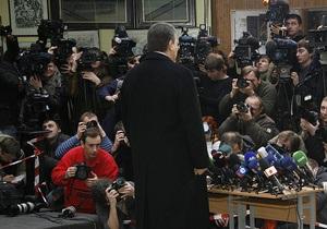 Янукович по-прежнему не собирается идти на теледебаты с Тимошенко