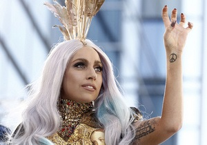 Фотогалерея: Птица счастья. Lady GaGa стала триумфатором церемонии MTV VMA-2010