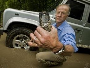 Land Rover представил самый выносливый в мире мобильный телефон