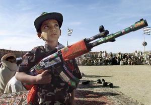 СМИ: В результате удара авиации НАТО в Афганистане погибли девять детей