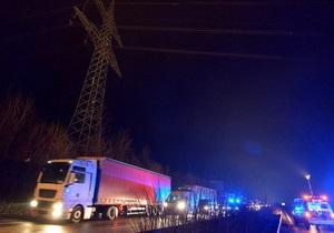 В Германии ловят действующую на автобанах банду. Одну из фур ограбили на скорости 130 км/час