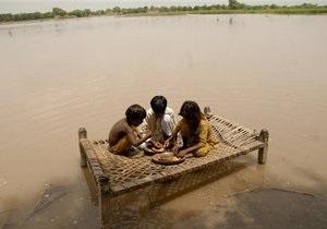 В Пакистане наводнение унесло жизни 1100 человек