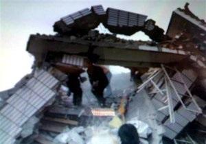 Число жертв землетрясения в Китае возросло до 300 человек