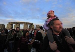 20 тысяч человек встретили день летнего солнцестояния в Стоунхендже