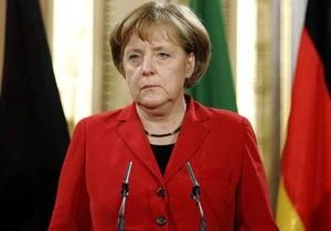 Меркель выступила против финансовой помощи Греции
