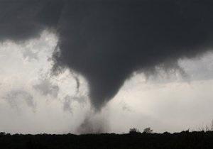 На американский штат Оклахома обрушился мощный торнадо: есть жертвы