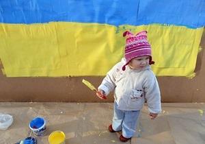 Более 10 тысяч украинок стали Матерями-героинями