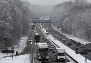 Новости Румынии - непогода в Украине - штормовое предупреждение - Украинцев просят воздержаться от поездок в Румынию в течение ближайших дней - снегопады в Украине