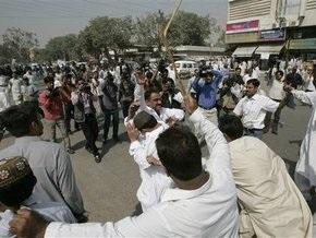 Пакистанская полиция разогнала антиправительственную демонстрацию