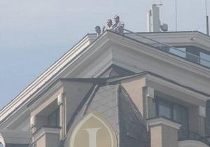 Журналисты рассмотрели на крыше Интерконтиненталя 18 мая человека, похожего на Захарченко
