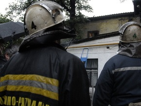 Пожарные не дали киевлянину прыгнуть с крыши высотки