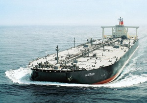 Причиной аварии на японском танкере стало столкновение с подводной лодкой или миной