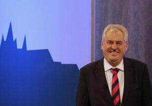 Экс-премьер Чехии Милош Земан лидирует на президентских выборах