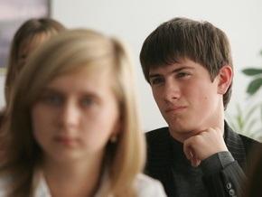Киевские власти запретили политагитацию в учебных заведениях