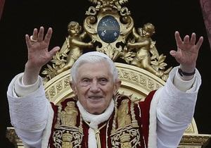 Папа Римский поздравил всех католиков с Рождеством на 65 языках