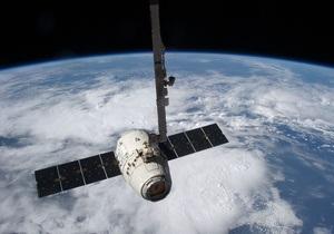 Грузовик Dragon привезет на МКС фрукты