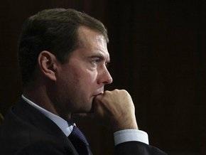 НГ: Медведев ударил по Путину и Тимошенко