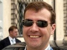 Единая Россия выдвинула Медведева кандидатом в президенты