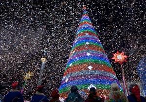Янукович зажег главную елку Украины