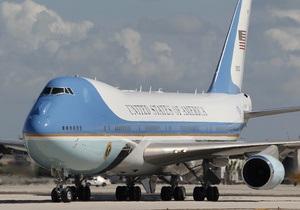 Японского диспетчера отстранили от должности за публикацию маршрута самолета Обамы