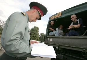 Кинах считает невозможным переход армии на контракт в этом году