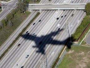 В США самолет совершил экстренную посадку из-за раздевшегося догола пассажира