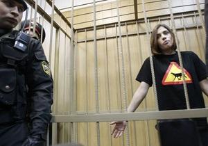 Русская служба Би-би-си: Кому нужно дело Pussy Riot?