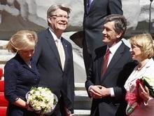 В Украину прибыл президент Латвии. Начались переговоры в расширенном составе