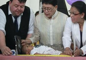 Житель Филиппин признан самым маленьким человеком в мире