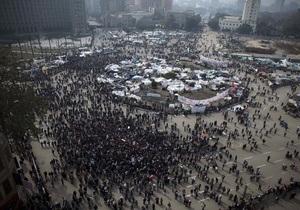 В Каире демонстранты сыграли свадьбу в окружении 300 тысяч человек