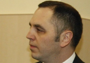 Адвокат Комарницкого настаивает на допросе Портнова