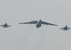 В Новый год воздушное пространство будут охранять 2200 военных и 400 единиц техники
