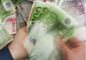 Перед открытием банков Кипр ввозит в страну евро самолетами - источник
