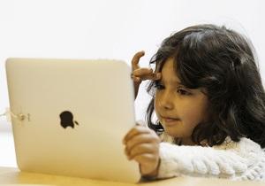 Игры на телефонах и планшетах вредят развитию детей - эксперты