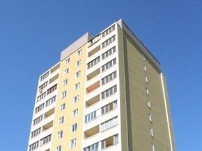В Черновцах девочка выпала с девятого этажа и осталась жива