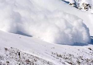 Туристов предупреждают об опасности схода лавин в Карпатах