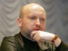 Суд постановил, что Турчинов ничего не строит на Пейзажной аллее