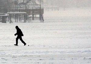 В Харькове спасли подростка, отказывавшегося выходить из ледяной воды